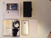 HTC One M7 32GB **UNLOCKED** in Perfect Working Condition