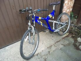 Saracen aluminium mountain bike with motorcycle forks. Please read carefully.