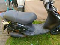 Piaggio zip 49cc scooter