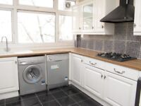 SPACIOUS three DOUBLE bedroom flat with PRIVATE GARDEN - Cautley Avenue, Clapham Common, London SW4