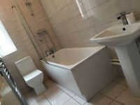 3 bed house, double rooms, close to university, transport, Oxford Rd, Newly fitted bathroom, kitchen