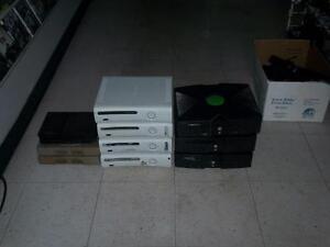 Lot de console de jeu pour reparateur  2 ps1 2 ps2 4 xbox 360 3 xbox