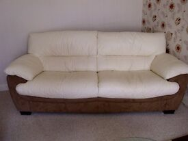 SUITE IMMACULATE CONDITION 3+1 CUDDLE & POUFFE LEATHER/FABRIC