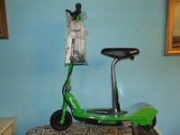 "BRAND NEW ""RAZOR E2000"" 24 VOLT SCOOTER,WITH CHARGER & DETATCHABLE SEAT. ""CHRISTNAS SORTED!!"""