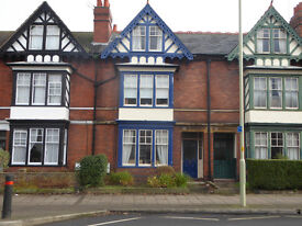 6 Bedroom house in the centre of gloucester available 1st August 2017 suitable for students