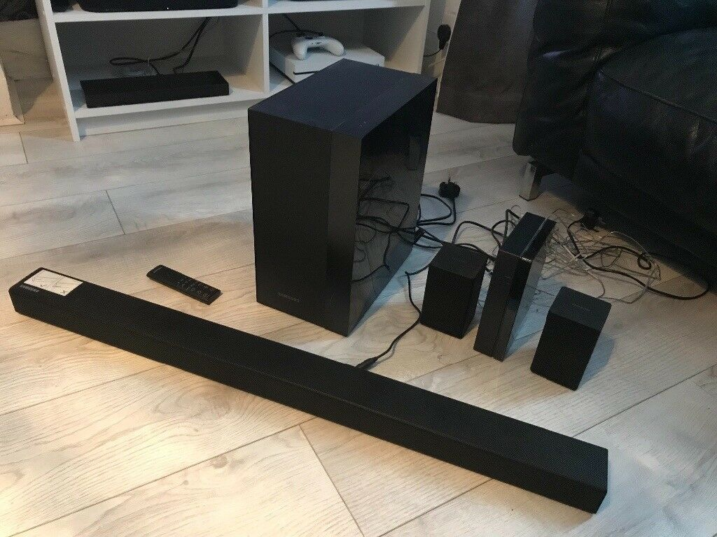 Samsung HW-K450 soundbar + rear surround speakers