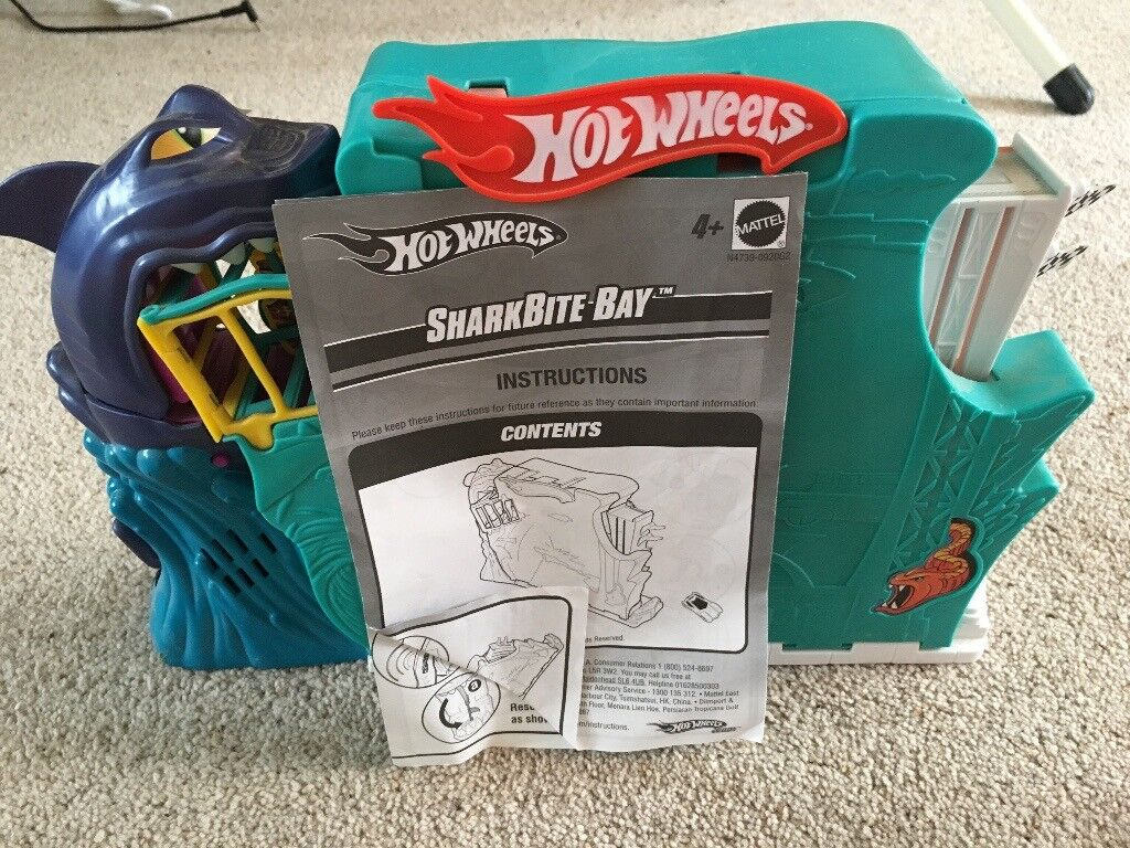 Hot Wheels Bundle Including Shark Bite Bay Set Super Slide Loop The