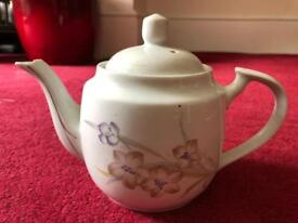 Free teapot and photo albums