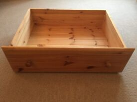 Solid pine under bed draw, with castors