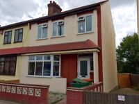 Breath-taking 4 Bedroom House In The Heart Of Newham...Fully Furnished & Referbished...Only £420pw!
