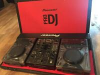 Pioneer DJM 400 mixer Plus 2x Cd decks & Case