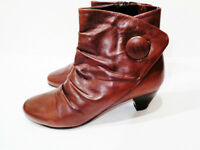 Clarks Womens Brown Leather Mid Heeled Ankle Boots - Uk Size 5