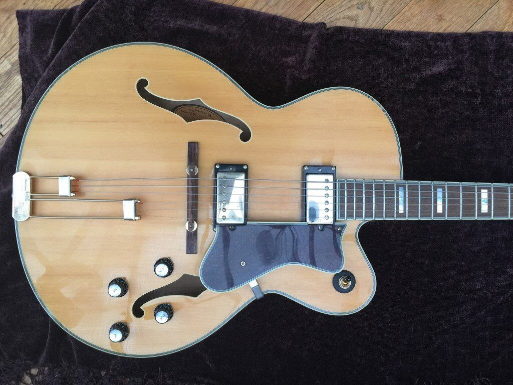 Epiphone Broadway Archtop Jazz guitar and hard case