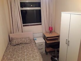 Large Single Room to let in Wolverhampton - Penn WV2, suitable for students