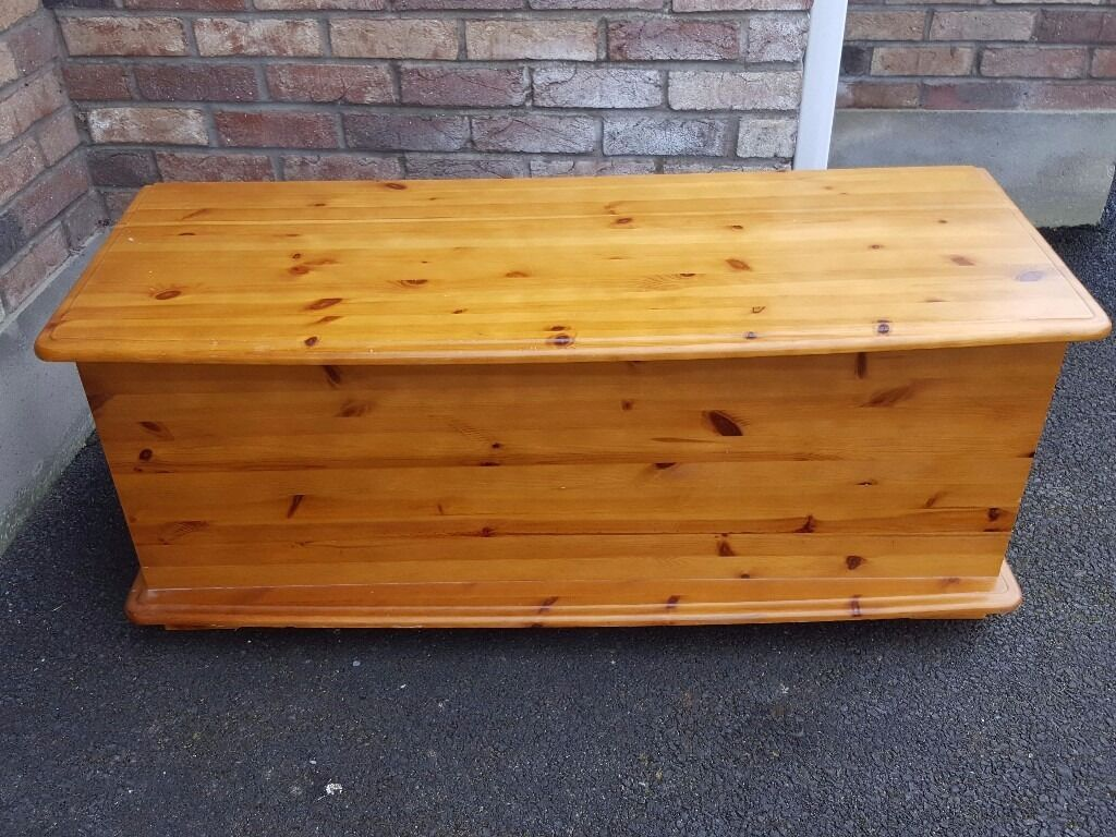 Pine Ottoman / Storage Box - Pine Ottoman / Storage Box In Londonderry, County Londonderry
