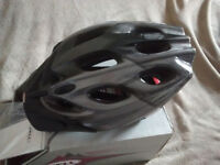 Bell cycle helmet (adult) new