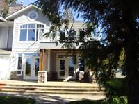 waterfront shuswap lake home  strata develop'mt fully furnished