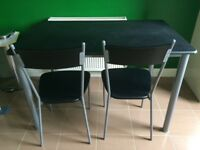 Black/silver dining room set (table + 4 chairs)