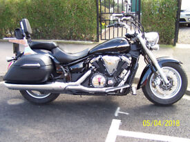 STUNNING MOTORCYCLE, 2014 YAMAHA XVS 1300A MIDNIGHTSTAR, LOW MILEAGE EXCELLENT CONDITION