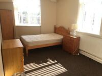 Bedrooms Bills included, Withington, close to 24hr bus route,Wilmslow Rd,amenaties CoOp, Sainsbury's