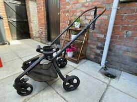 Mamas & PaPa's Travel System (Pram) £150 ono Immaculate Condition