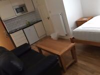 Self contained Studio flat in London E14 8PQ- Rent £900pcm all Bills included -Direct From Landlord!