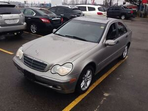 2004 Mercedes-Benz C240 4MATIC SPORTY VERY SMOOTH !!!!!!!!! London Ontario image 9