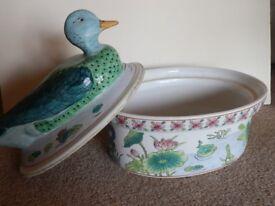 Oriental Style Ceramic Duck Egg basket