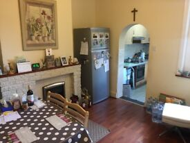 Large 3 Bed Victorian Terrace. 2 Reception rooms (can be used as 4 Bed). Ideal Central Location