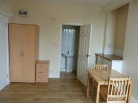 Beautiful DSS friendly studio to rent in the Queens park area