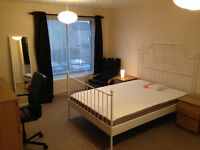 Extra large Bedroom with balcony in great house share, super fast WI FI , 4 minutes walk to CMK