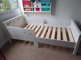 White Toddler bed