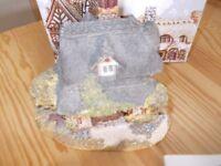 Lilliput lane oak cottage very good condition