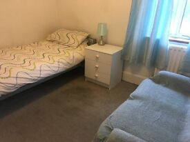 Room in shared house. Near town centre, Railway. WiFi, central heating. Rent Inclusive