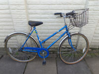 ladies 22in hybrid bike, basket, lights, ready to ride can deliver