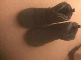 Blue mini Dije ugg boots   in East Kilbride, Glasgow   Gumtree