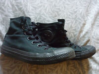 UNISEX BLACK HIGHTOP CONVERSE SIZE 4 IN GOOD CONDITION