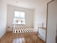 Modern 3 double bedroom flat with private roof terrace close to Finsbury Park and Archway tubes