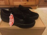 All black Vans old school trainers size 8.5