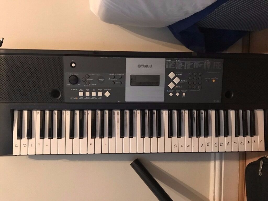 yamaha portable full size electric piano keyboard ypt 230 in kilburn london gumtree. Black Bedroom Furniture Sets. Home Design Ideas