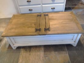 Coffee table, very rustic lots of charm