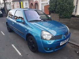 immaculate 2004 Renault Clio full service history long MOT amazing drive