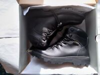 Trojan GORE-TEX Leather Safety Boot Black Size 7 EU 41 Work Boots New & In Box