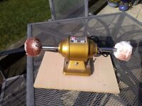 Polisher , buffer and grinder. 240 volts. Can be used for jewellery or light grinding.
