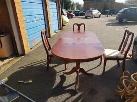 Extendable Dining table ith 3 chairs