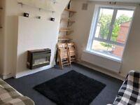 Elephant & Castle Large 3 Bedroom Flat with Reception toilet bathroom & kitchen