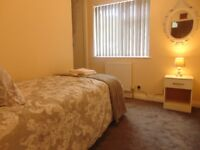 Modern Single, Double and en-suite Rooms