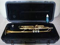 Vincent Bach USA TR300 Student Trumpet, Hard Bach Case, 7C Vincent Bach Mouthpiece & new Valve Oil