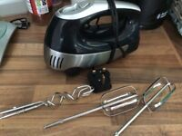 Electric hand mixer with whisks and dough hooks