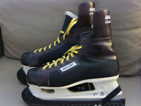 "Size 9 / EUR 43 Bauer Challenger Mens Ladies Unisex Ice Skates and blade guards. 11"" / 280mm blades"